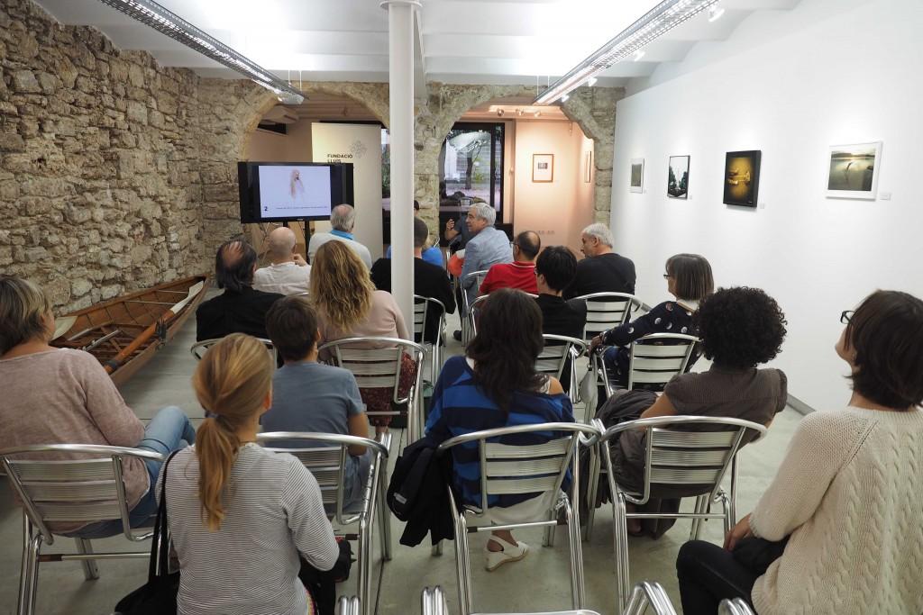 18/09/15 Subhasta de fotografies de l'exposició La Lentitut a l'Espai Eat Art. FOTO:PERE DURAN