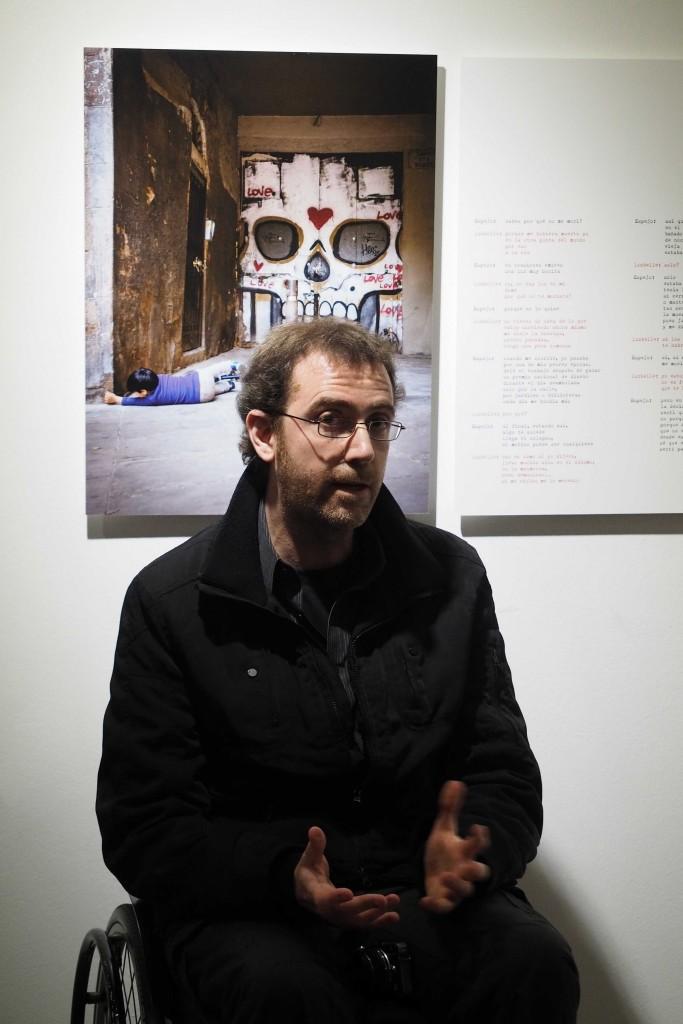 """Inauguració exposicio """"No hay luz sin oscuridad"""", fotografies de Agust Prats al l'espai Eat Art de Banyoles. FOTO: PERE DURAN"""